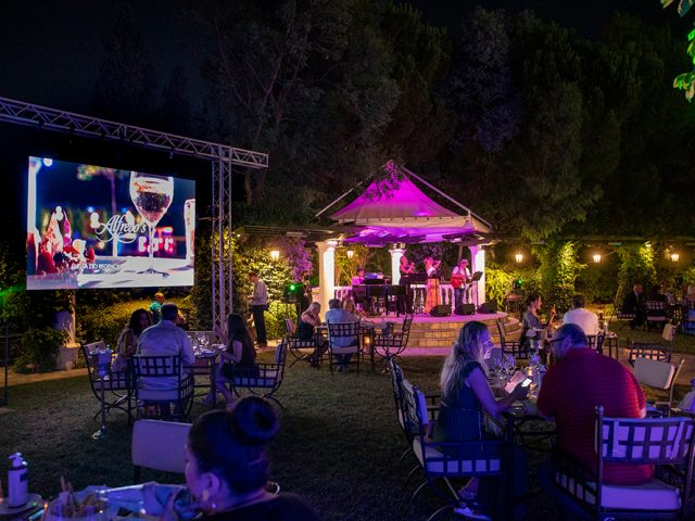 Μία υπέροχη βραδιά στο Alfredo's Garden restaurant